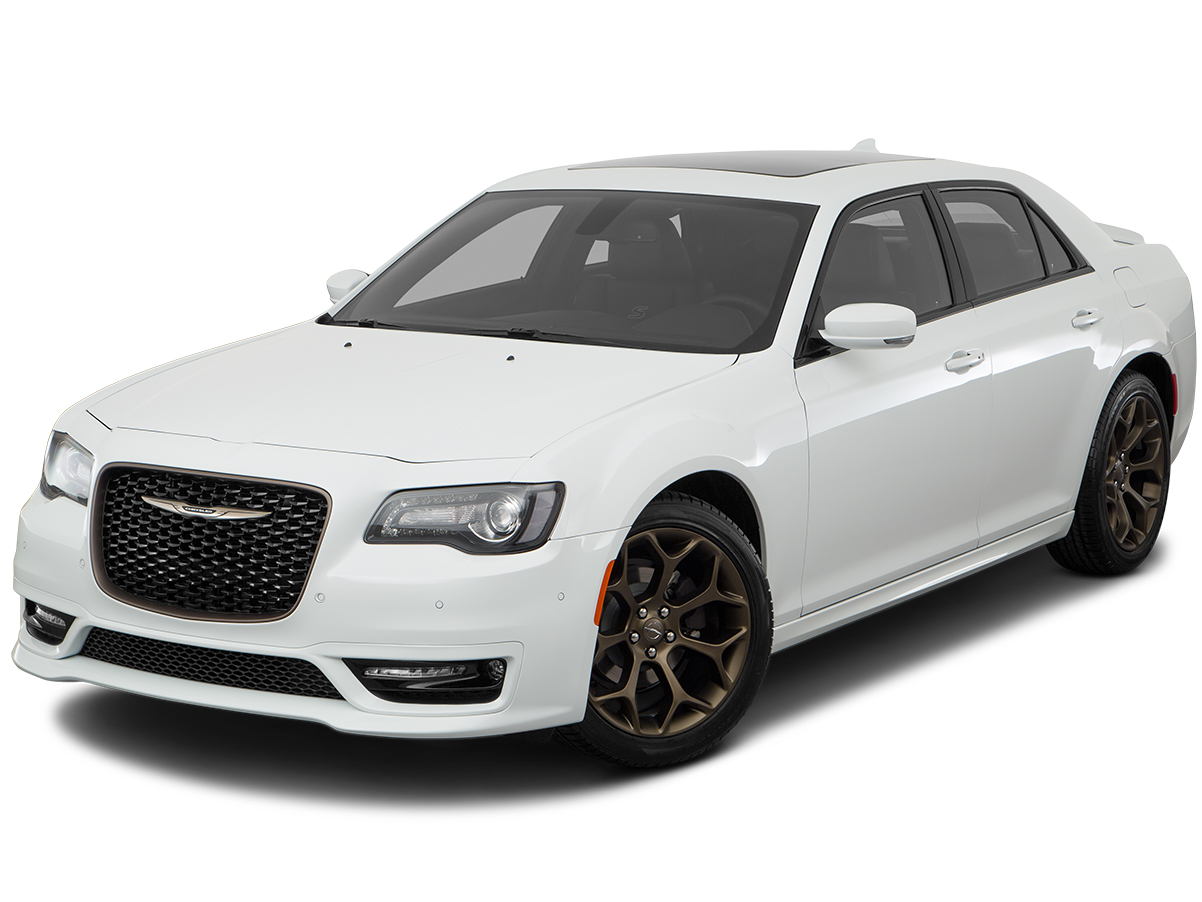 Save on the 2018 Chrysler 300 in Paris, TX | James Hodge