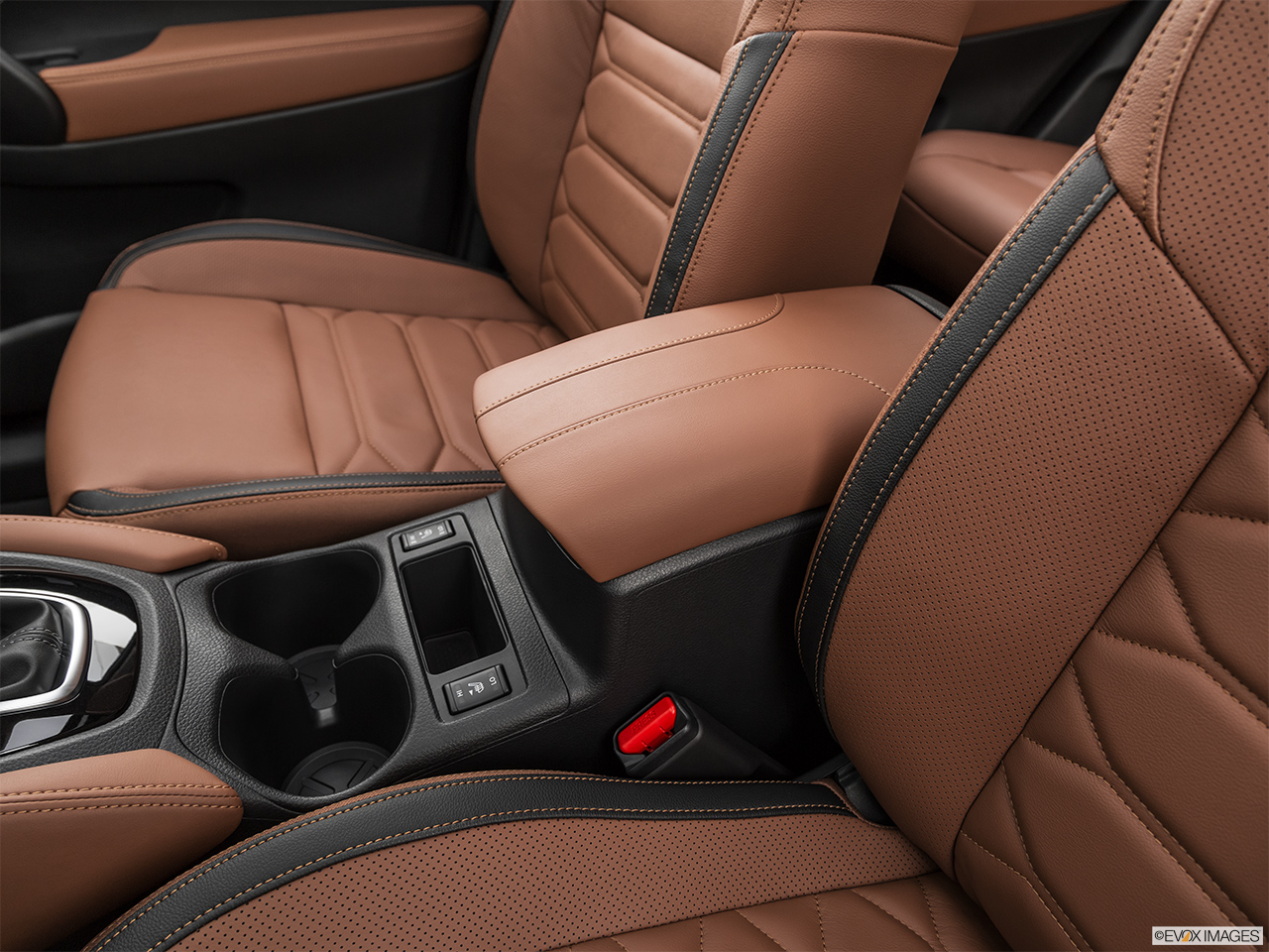 2019 Nissan Rogue Cup Holders