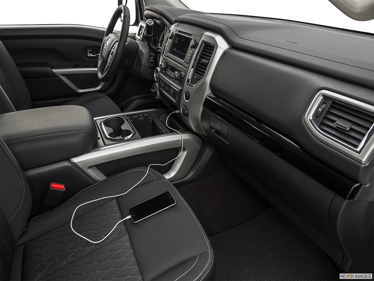 2019 Nissan Titan Technology Connectivity Features