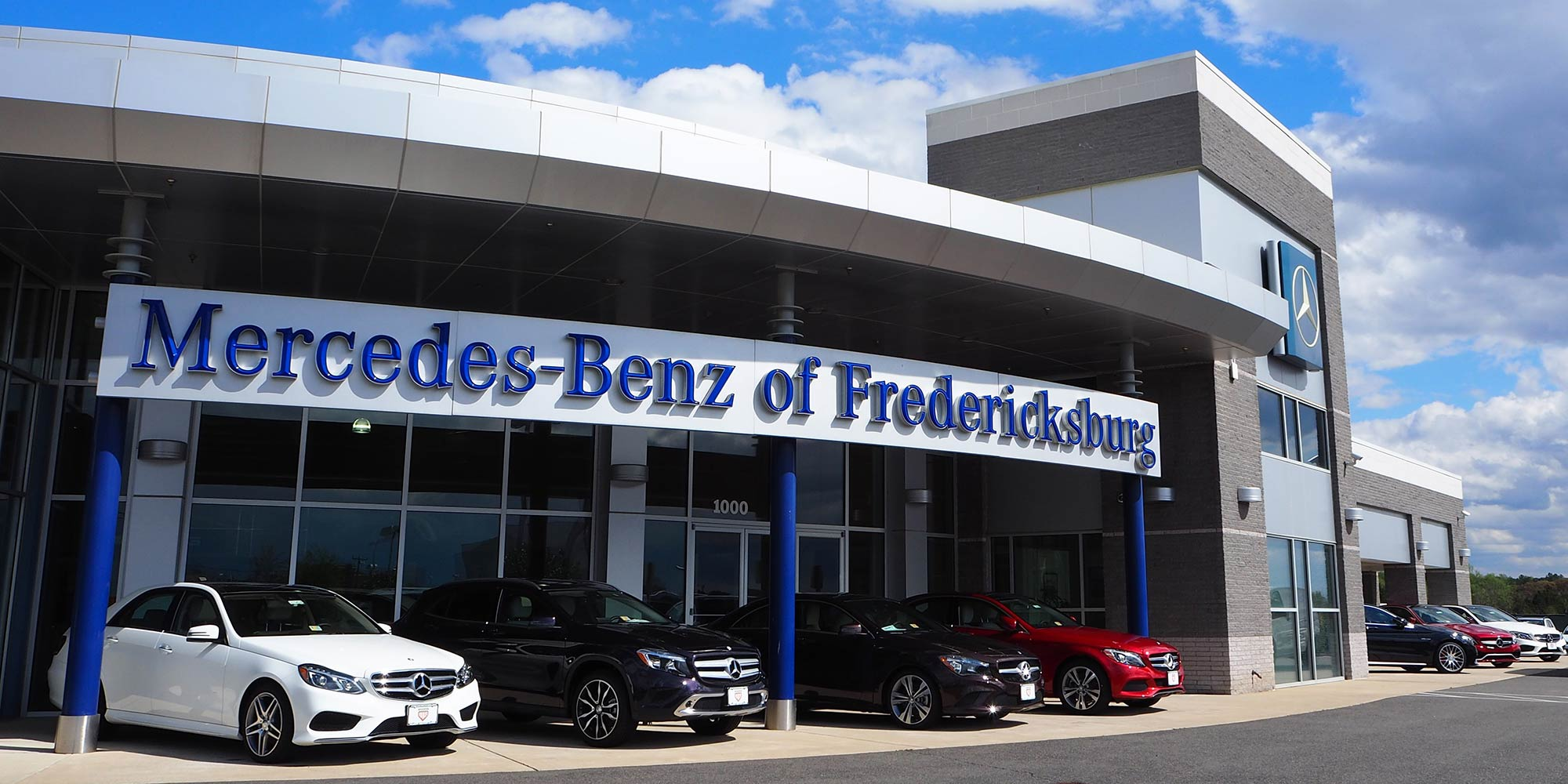 Mercedes benz dealer service and used car sales center in for Mercedes benz dealers in va
