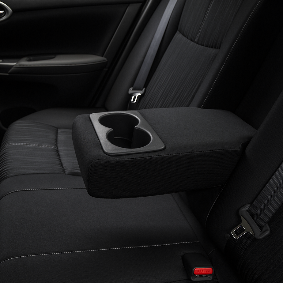 2017 Nissan Sentra Middle Console