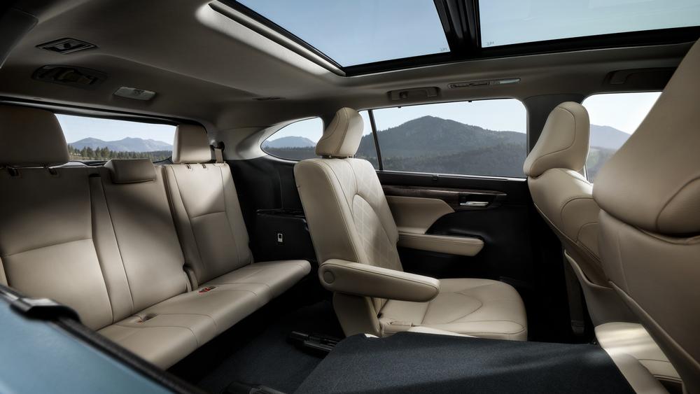 2021 Toyota Highlander Cabin Sycamore IL